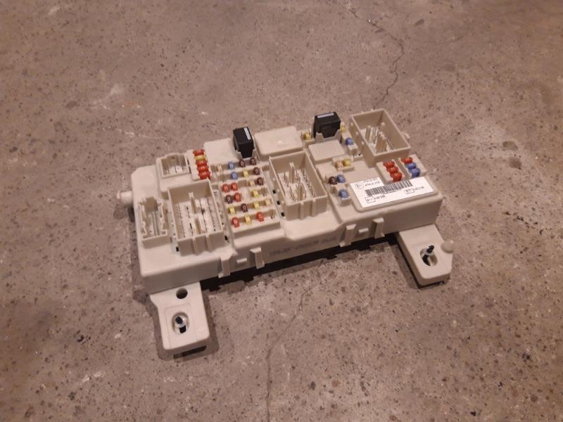 Блок предохранителей салонный Ford Focus 2 05-07 1 2007 (б/у)