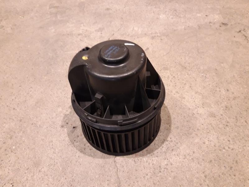 Моторчик печки Ford Focus 3 УНИВЕРСАЛ 1.6 TD 2012 (б/у)
