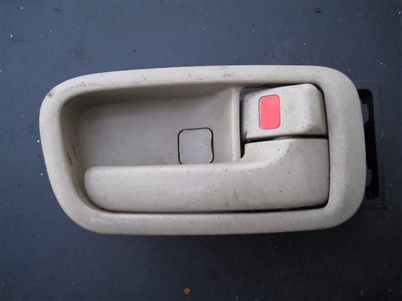 Ручка двери внутренняя Toyota Gaia CXM10 правая