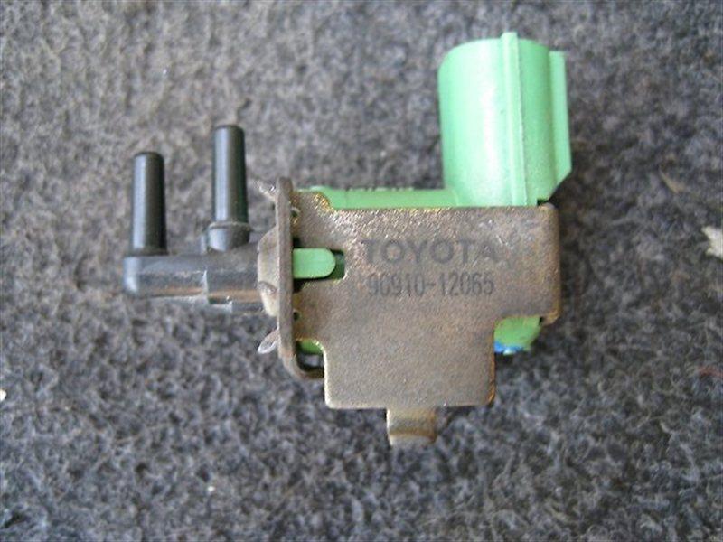 Клапан вакуумный Toyota Regius RCH47 2E
