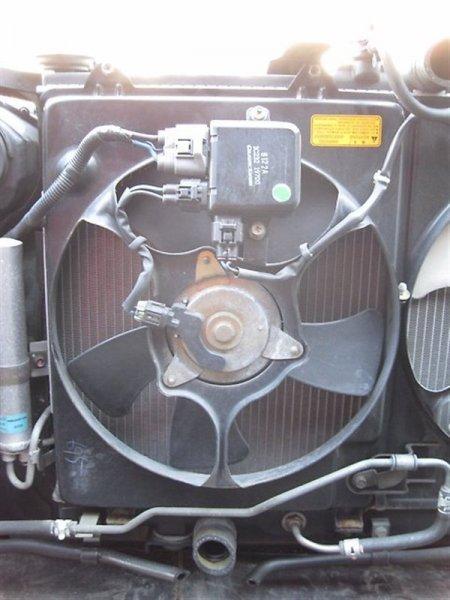Вентилятор радиатора Mitsubishi Airtrek CU2W 4G64 левый