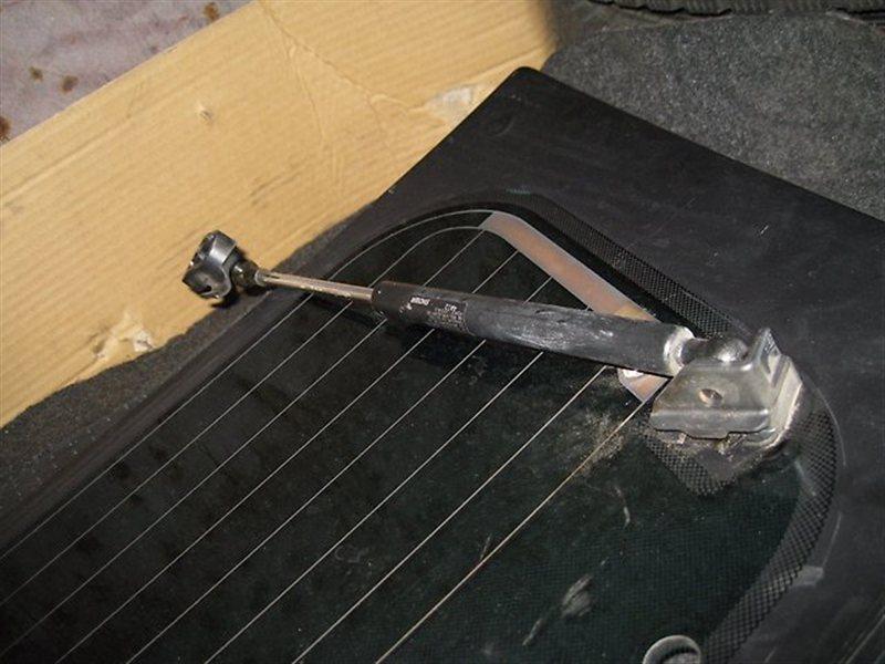Амортизатор на заднее стекло Honda Cr-V RD5