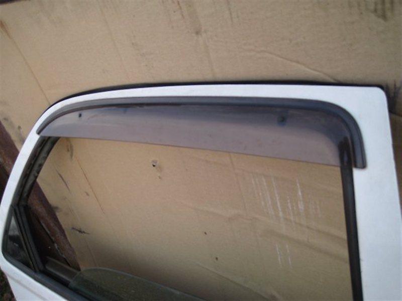 Ветровик Toyota Vista AZV50 1AZFSE задний правый