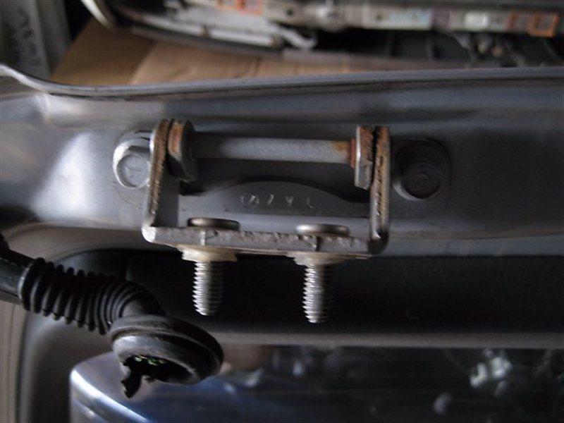 Петля крышки багажника Subaru Legacy BG7