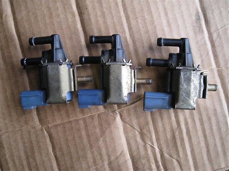 Клапан вакуумный Nissan Sunny FNB15 QG18DE