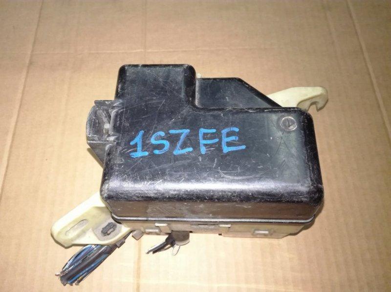 Блок предохранителей Toyota Xb NCP31 1NZFE