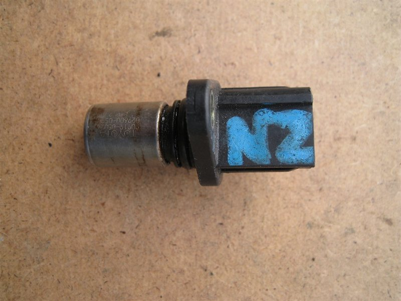 Датчик положения распредвала Toyota Corolla NZE120 1NZFE