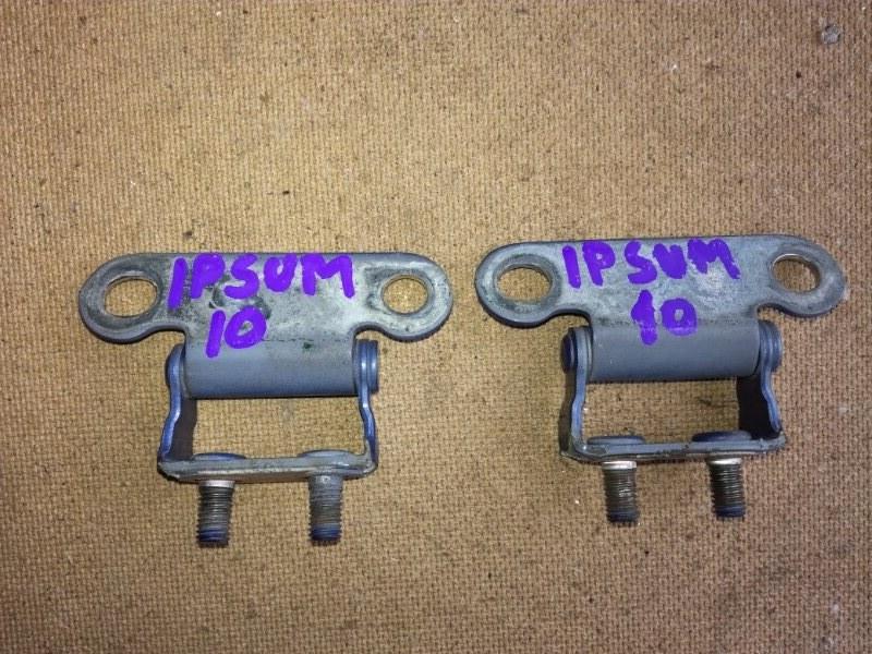 Петля крышки багажника Toyota Ipsum ACM26