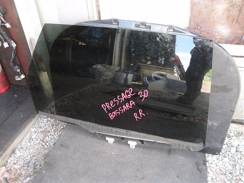 Стекло двери Nissan Bassara JU30 VQ30DE заднее правое