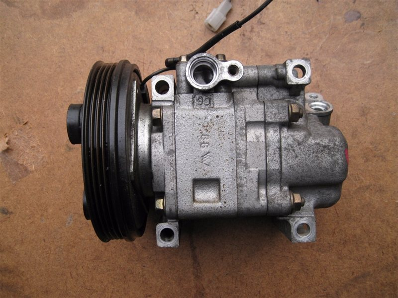 Компрессор кондиционера Mazda 323 BJ5P ZLDE