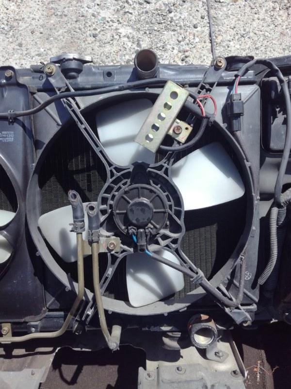Вентилятор радиатора Mitsubishi Chariot N43W правый