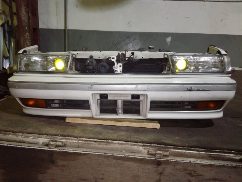 Бампер Toyota Cresta MX83 4SFI 1990 передний