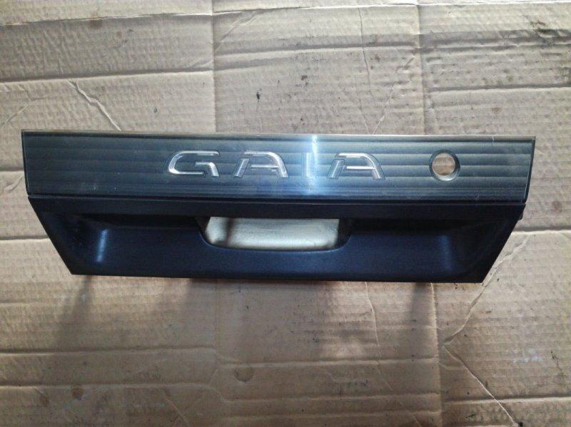 Вставка между стопов Toyota Gaia CXM10 3CTE задняя
