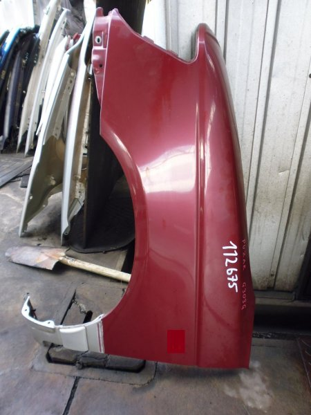 Крыло Daihatsu Pyzar G301G переднее левое