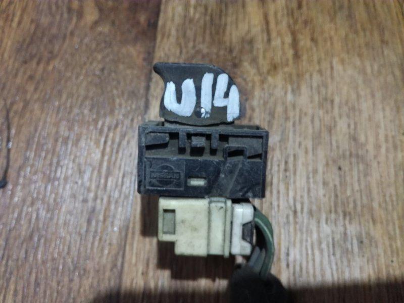 Кнопка стеклоподьемника Nissan G20 P11 CD20