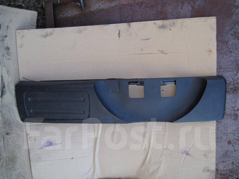Накладка крышки багажника Honda Cr-V RD5 K20A задняя
