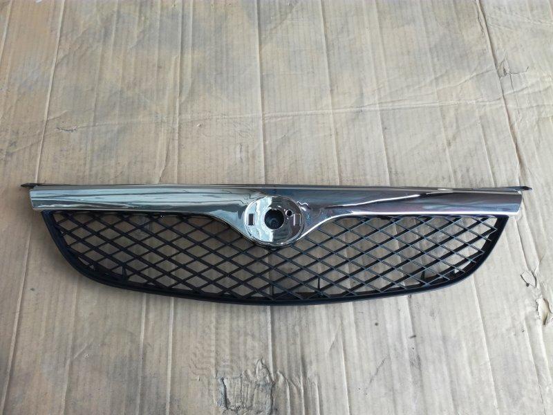 Решетка радиатора Mazda 626 GF 1997 передняя