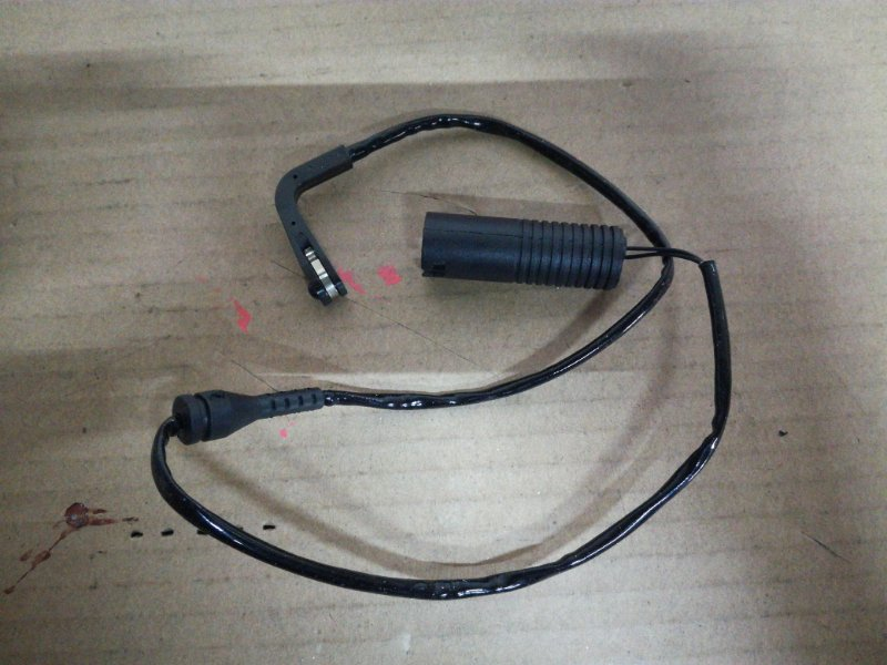 Датчик износа колодок Bmw 5-Series E39 M47D20