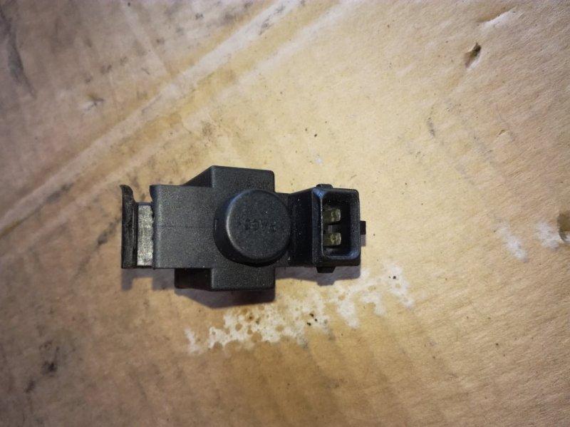 Клапан вакуумный Audi A3 8L1 1Z