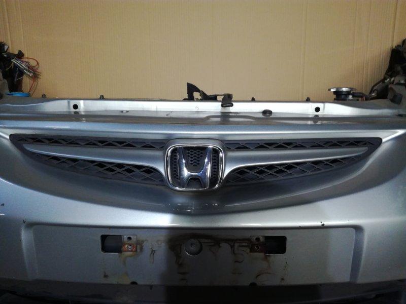 Решетка радиатора Honda Fit GD1 L12A1 передняя