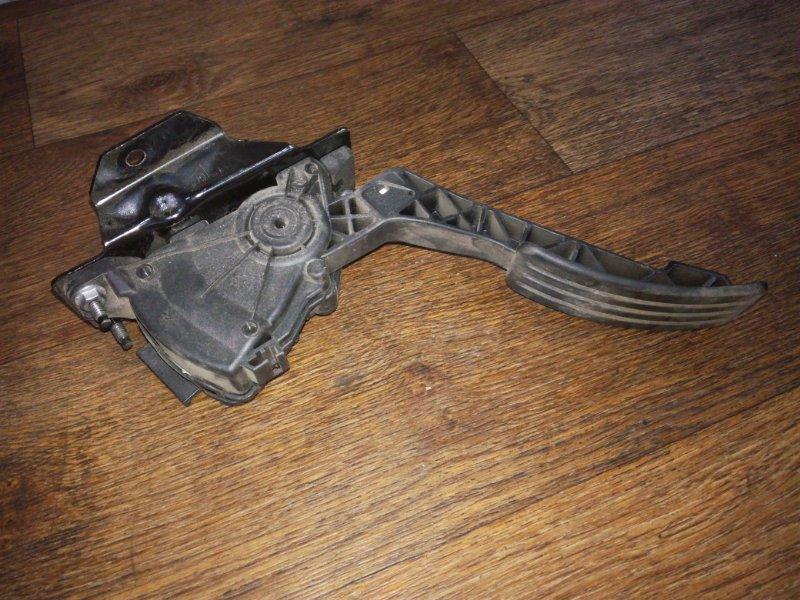 Педаль газа Renault Sandero Stepway
