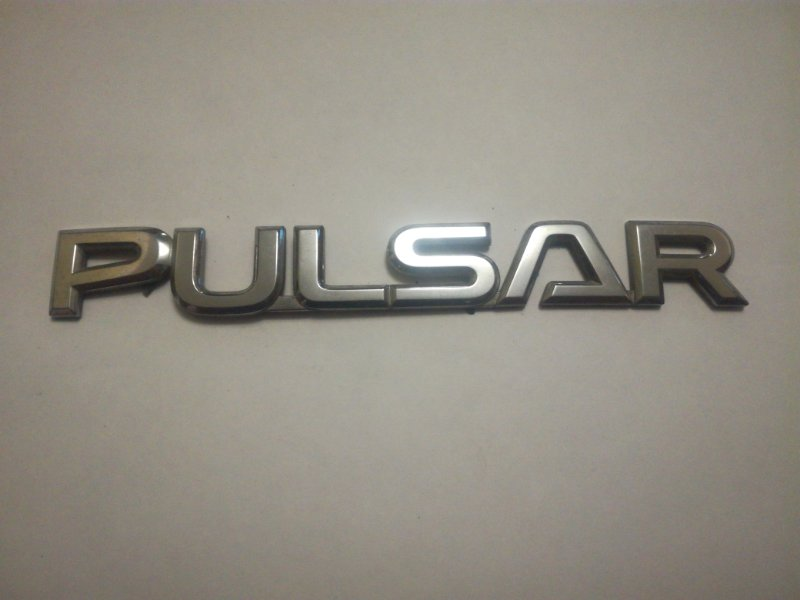 Эмблема Nissan Pulsar EN15 CD20