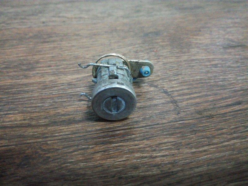 Личинка замка Suzuki Jimny JB23W задняя