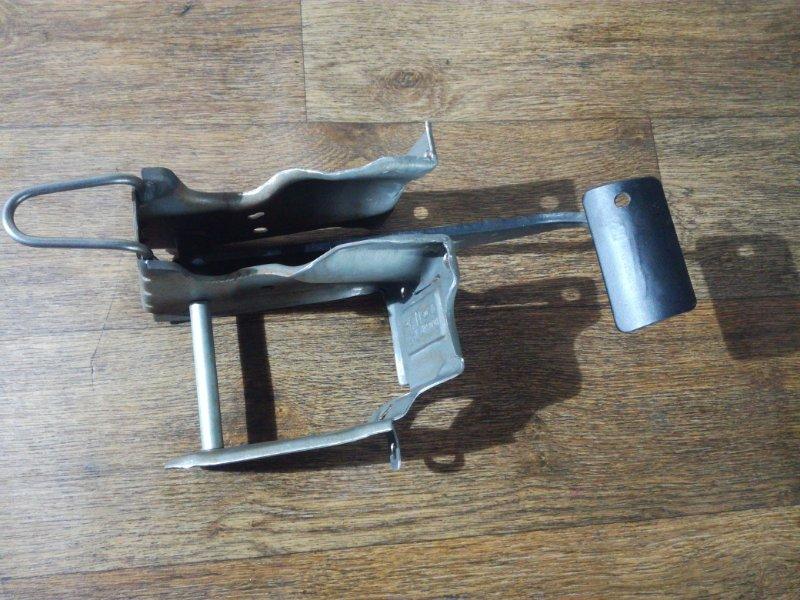 Педаль тормоза Renault Sandero Stepway D4D