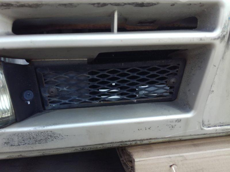 Решетка в бампер Nissan Laurel GC34 RB20DE передняя правая