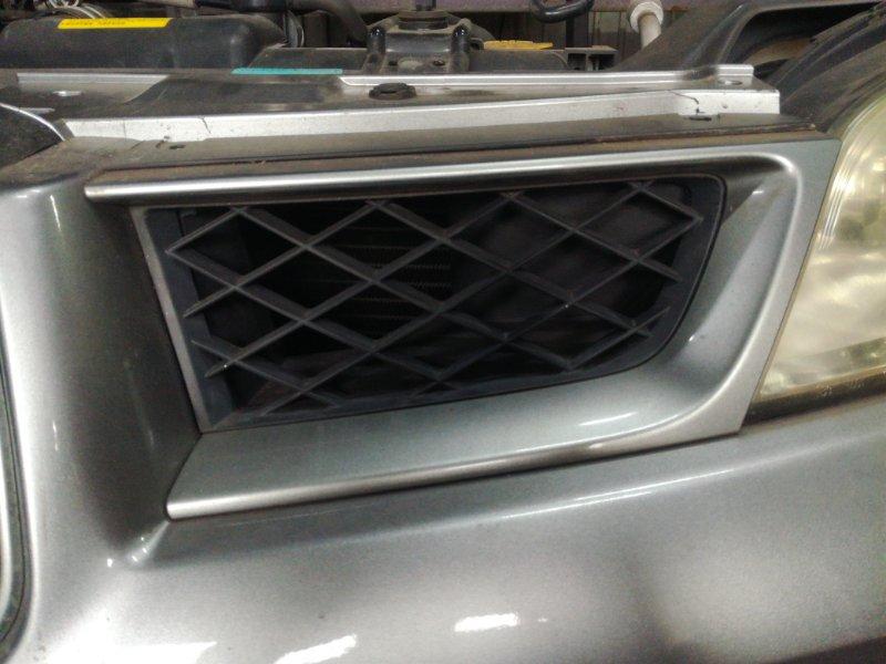 Решетка радиатора Subaru Impreza Wrx Sti GD2 EJ152 2005 передняя левая