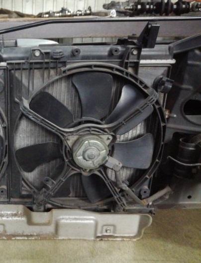 Вентилятор радиатора Subaru Forester SG5 EJ202 правый