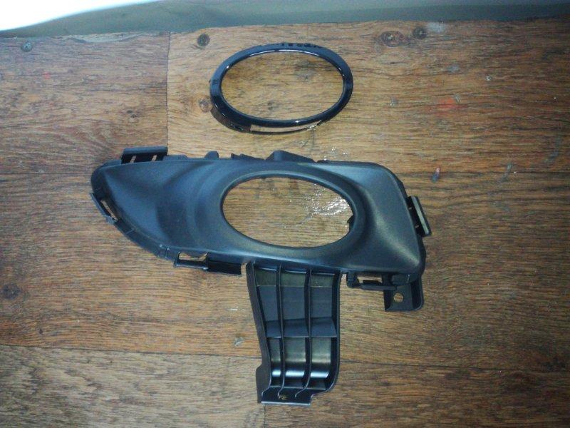 Заглушка бампера Mazda Axela BK3P передняя правая