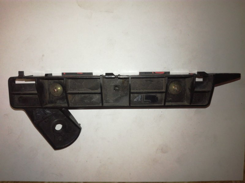 Клипса бампера Mitsubishi Colt Plus Z21A 4A90 передняя левая