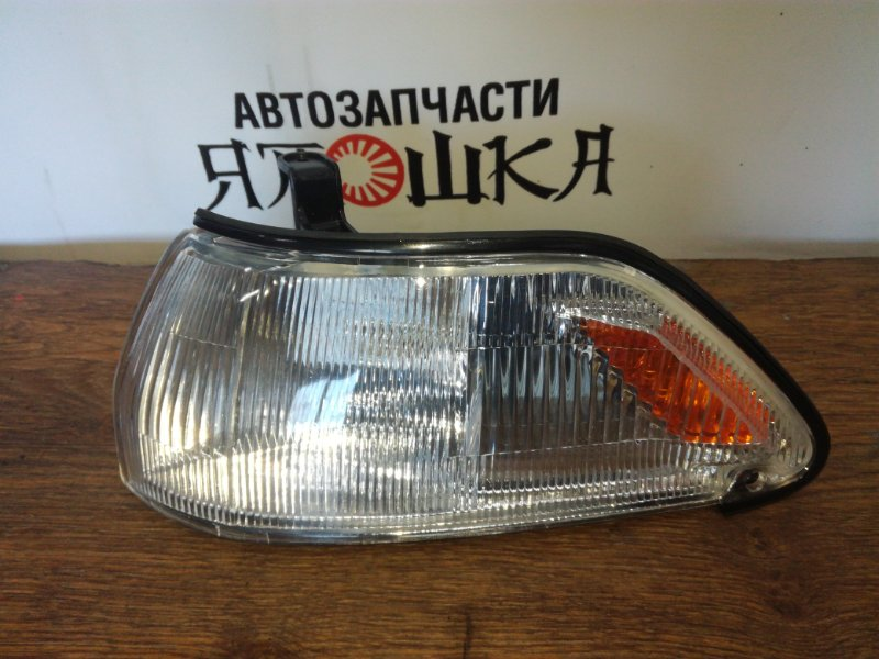 Габарит Toyota Corona AT170 2C передний левый