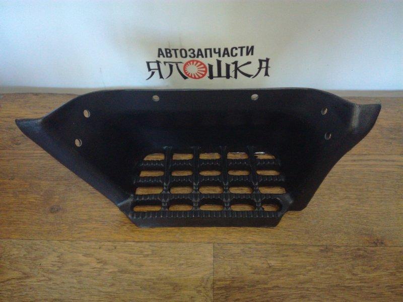 Подножка Toyota Dyna BU100 15BF передняя правая