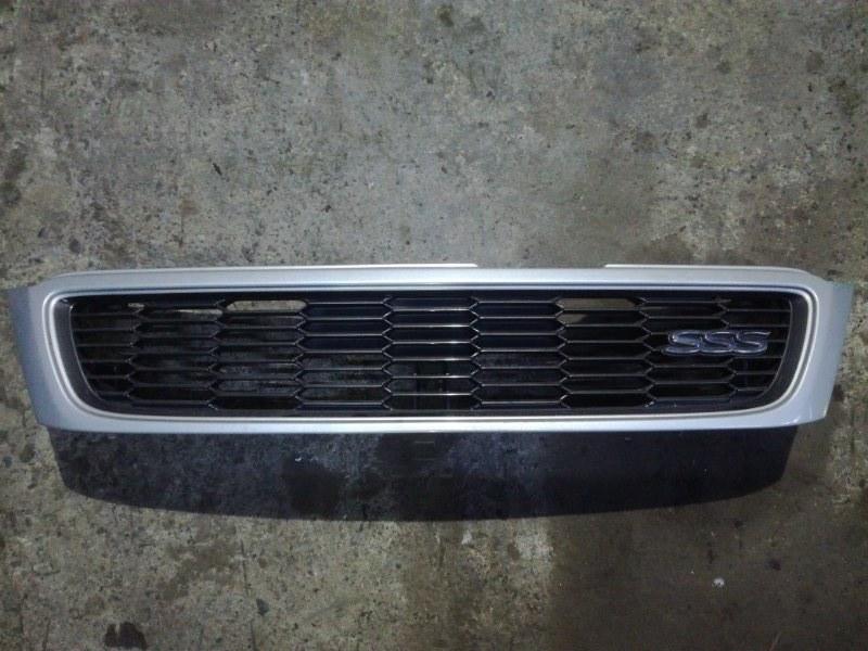 Решетка радиатора Nissan Bluebird ENU14 QG18DD