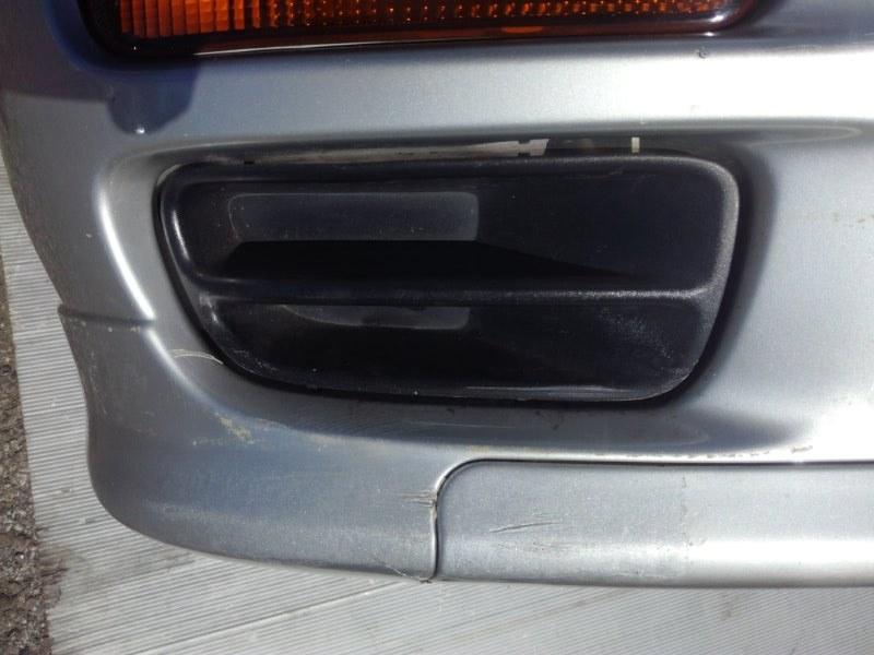 Заглушка бампера Nissan Bluebird ENU14 QG18DD передняя правая