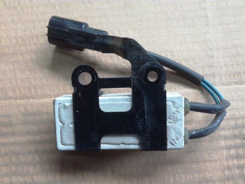 Резистор вентилятора Toyota Allex NZE121 3ZZFE