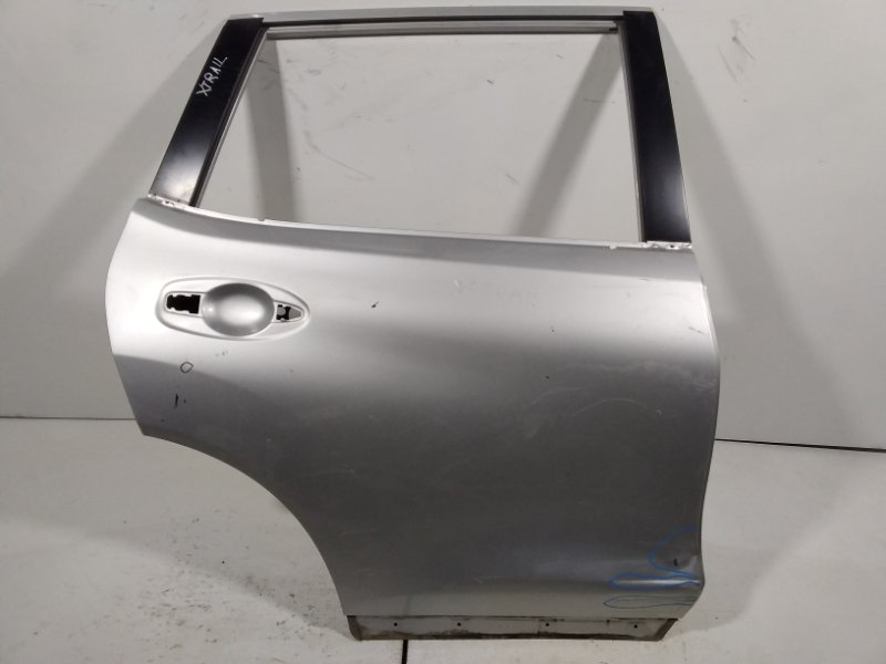 Дверь Nissan X-Trail 3 T32 2014> задняя правая H210M4CMMA (б/у)