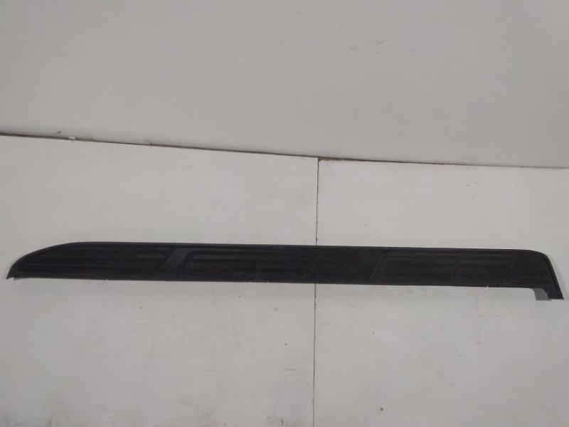 Накладка на подножку Toyota Land Cruiser Prado 150 J150 2009> правая 517716A130 (б/у)