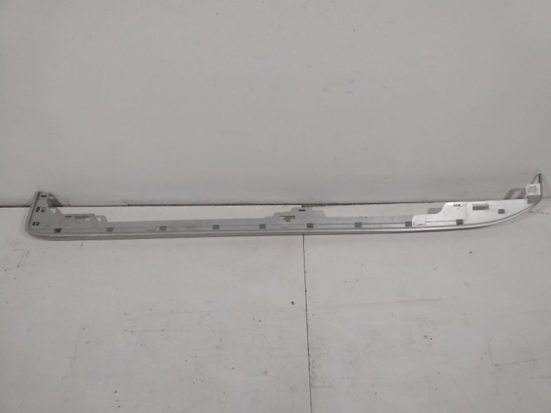 Накладка на подножку Toyota Land Cruiser Prado 150 J150 2009> правая 5177360180 (б/у)