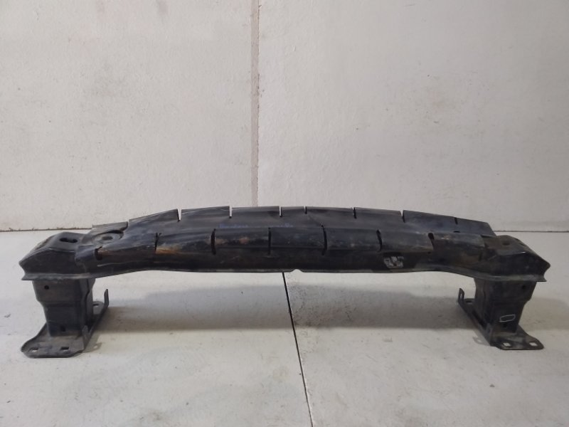 Усилитель переднего бампера Volkswagen Jetta 6 NF 2011> передний 5C6807109С (б/у)