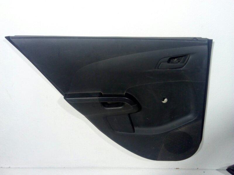 Обшивка двери Chevrolet Aveo T300 T300 2011> задняя левая 95351629 (б/у)