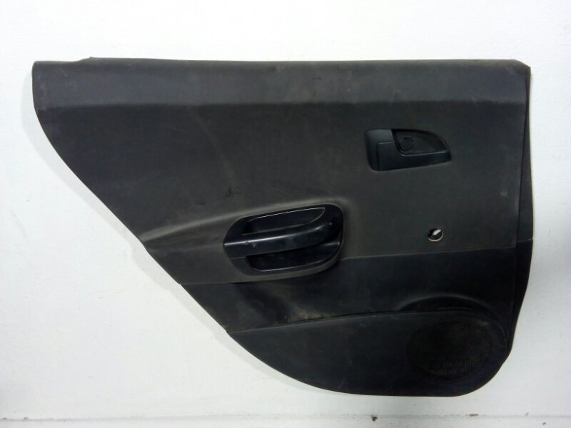 Обшивка двери задней левой Kia Ceed 1 ED 2007 задняя левая 833011H100EQ (б/у)