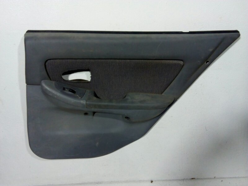 Обшивка двери задней левой Hyundai Elantra 3 XD 2000 задняя правая 833622D010 (б/у)