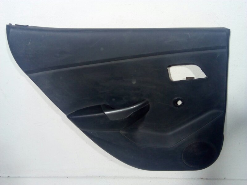 Обшивка двери задней левой Kia Rio 3 QB 2011 задняя левая 833014Y000WK (б/у)