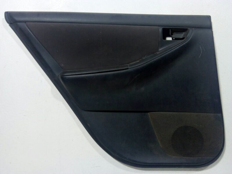 Обшивка двери Toyota Corolla 120 задняя левая (б/у)