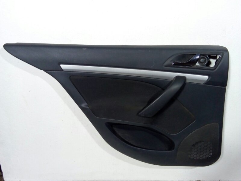 Обшивка двери задней левой Skoda Octavia A5 A5 2008 задняя левая 1Z5867209 (б/у)