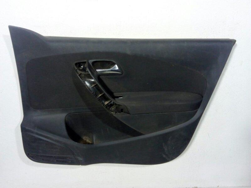 Обшивка двери передней правой Volkswagen Polo MK5 2009 передняя правая 6R4867012CAAPC (б/у)