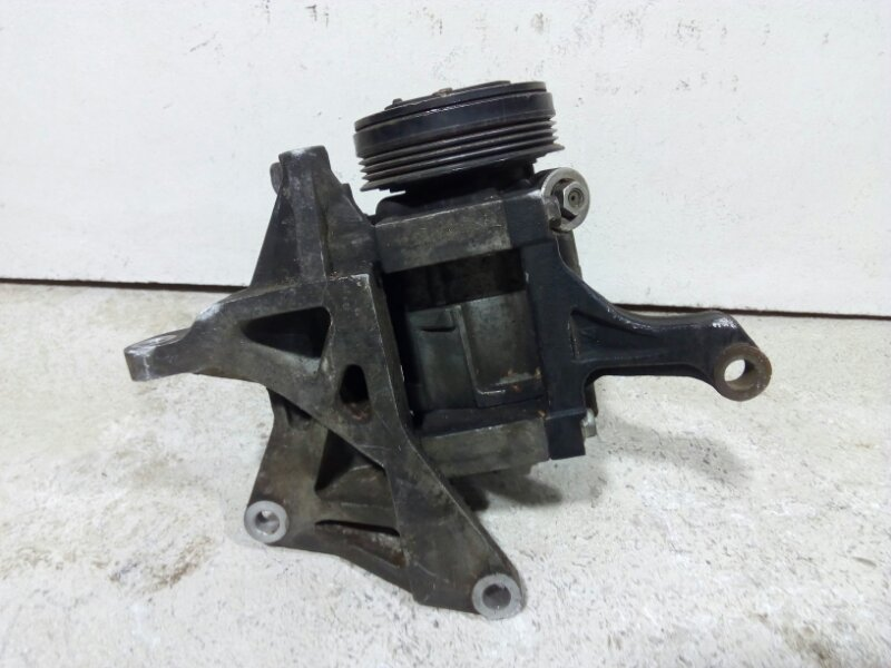 Компрессор кондиционера Subaru Impreza G12 2007 73111FG000 (б/у)